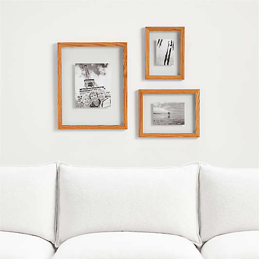 Carlota Floating Frames