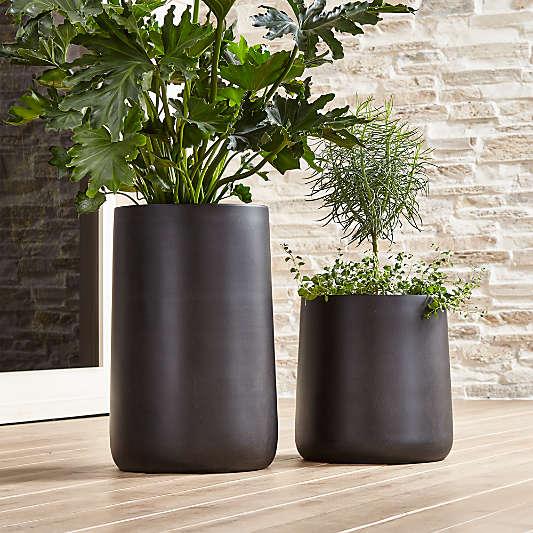 Saabira Fiberstone Indoor/Outdoor Planters